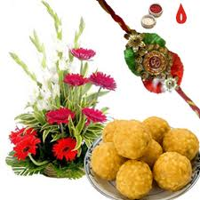 boondi-ladoo-with-flowers