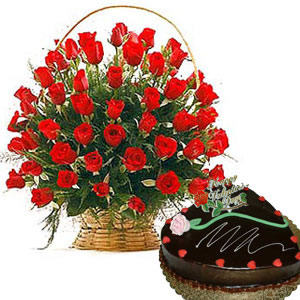24 roses basket with heart shaped chocolate cake