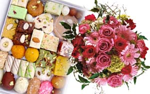 Half Kg Mithai and Bunch of Assorted Flowers
